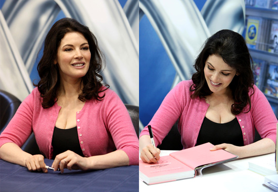 nigella lawson hot. Nigella Lawson Signs Copies of